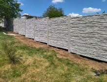 Montáž betonového plotu – Třemošná