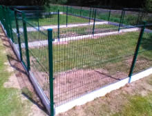 Montáž 3D plotových panelů a podhrabových desek – České Budějovice
