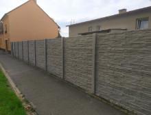 Montáž betonového plotu – Plzeň