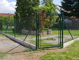 Montáž plotového poplastovaného pletiva - Pňovany