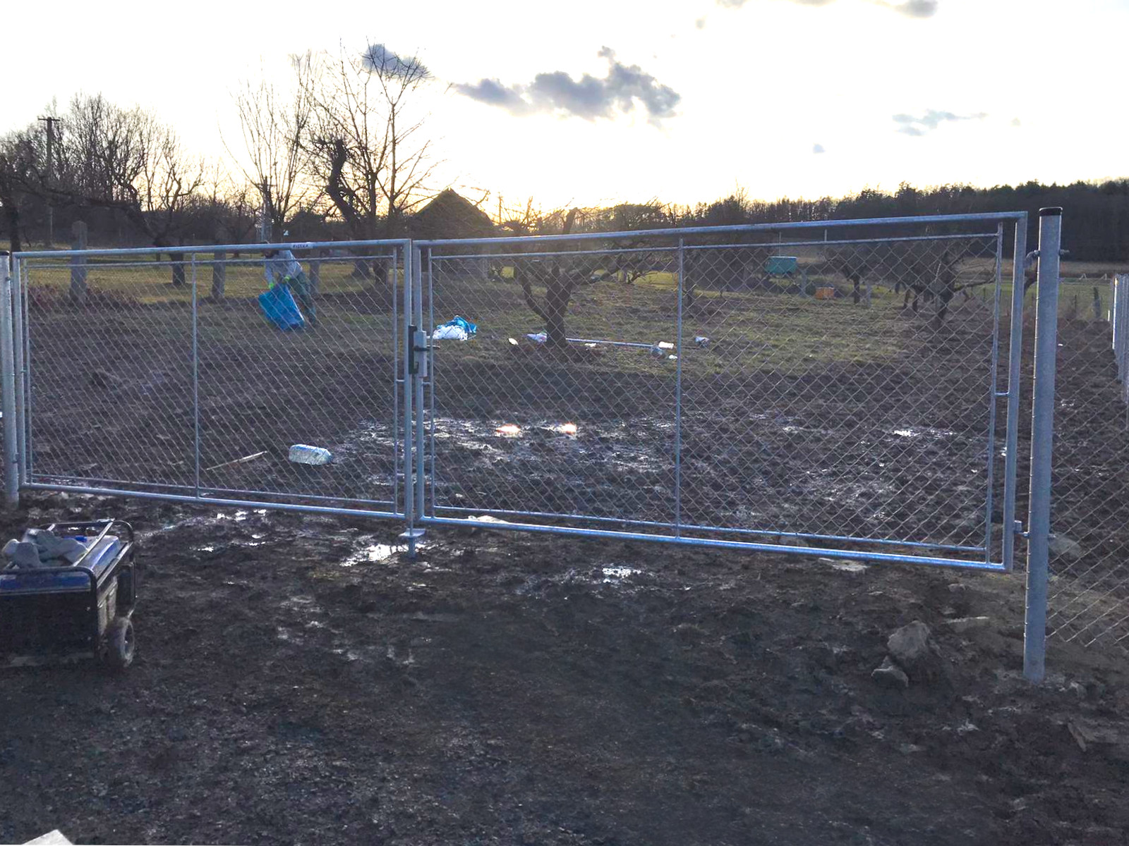 Brána zahradní dvoukřídlá pletivo, výška 125x360cm OKO pozink