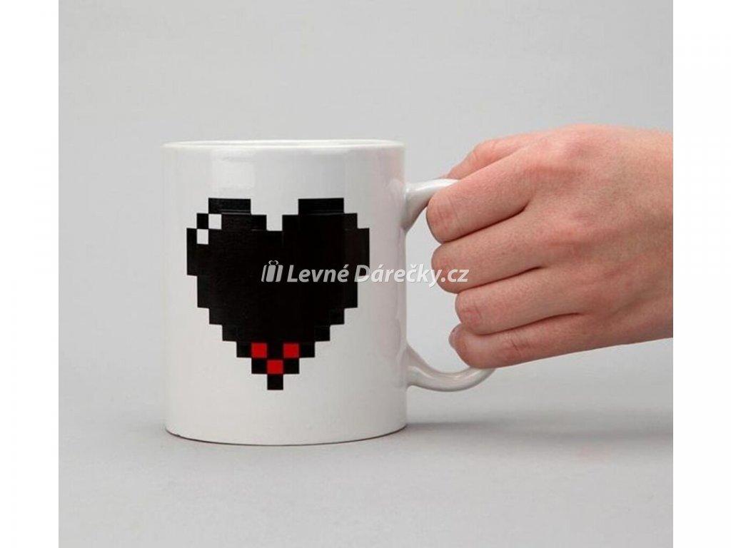 pixelovy hrnek srdce 1