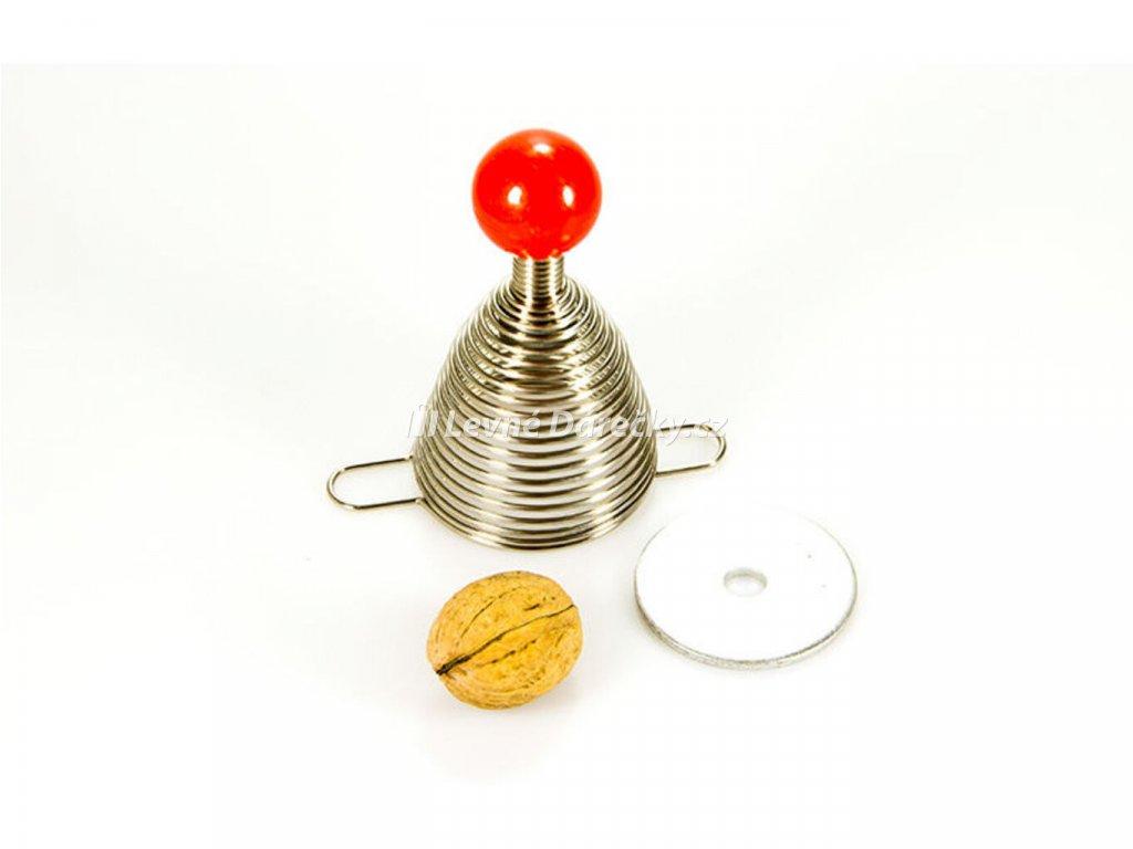 Pružinový louskáček na ořechy2