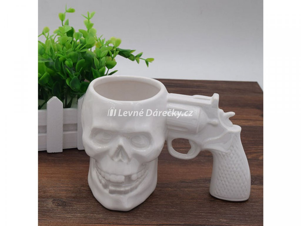 hrnek revolver lebka 1