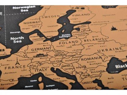 Velká Stírací mapa světa s vlajkami Deluxe 82 x 59