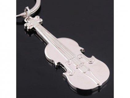 privesek housle 4