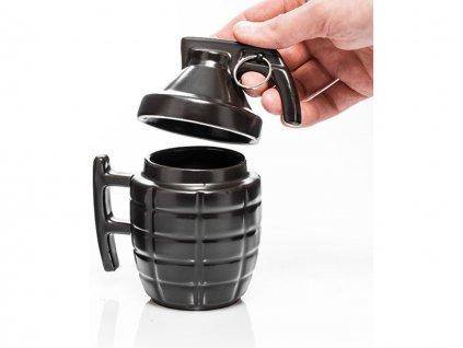 granatovy hrnek s vickem cerny 2