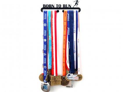 Věšák na medaile Born to run žena