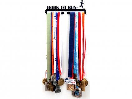 Věšák na medaile born to run muž