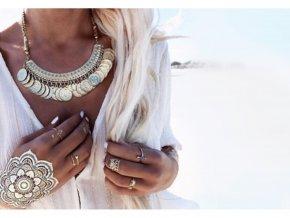 Metalické tetování pro ženy