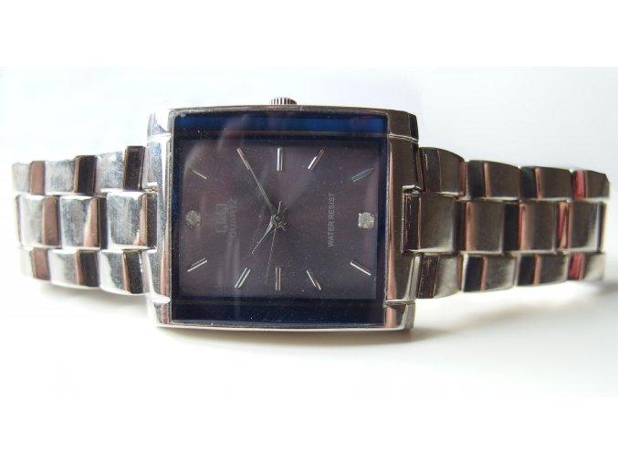 Kovové hodinky stříbrné s kamínky