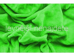 zelenátmavá
