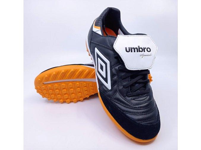 Pánské sportovní turfové boty UMBRO