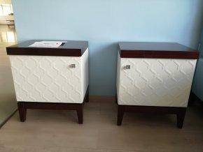 Designové dřevěné noční stolky 2ks vzor