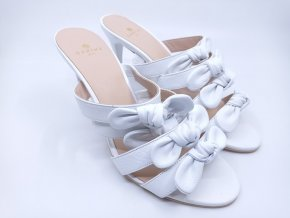 Dámské pantofle na podpatku Carine Paris,  bílé
