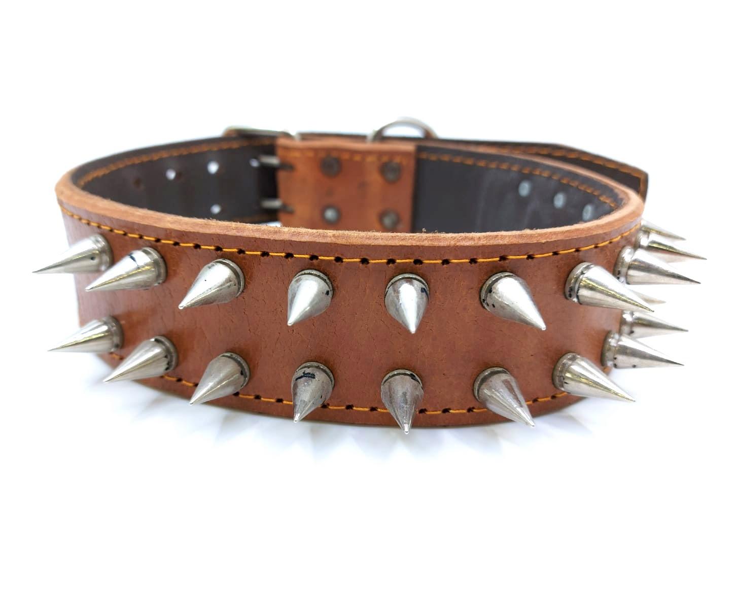 Smallactup Široký kožený obojek s hroty pro psa 80 cm, hnědý