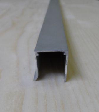 "Al ""U"" profil jednoduchý,tloušťka 16mm,stříbrný elox,6,3 m"