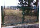 Zahradní brána dvoukřídlová s okem na visací zámek š. 3600 x v. dle výběru / celovýplet vč. sloupků (Výška v mm: 2000)