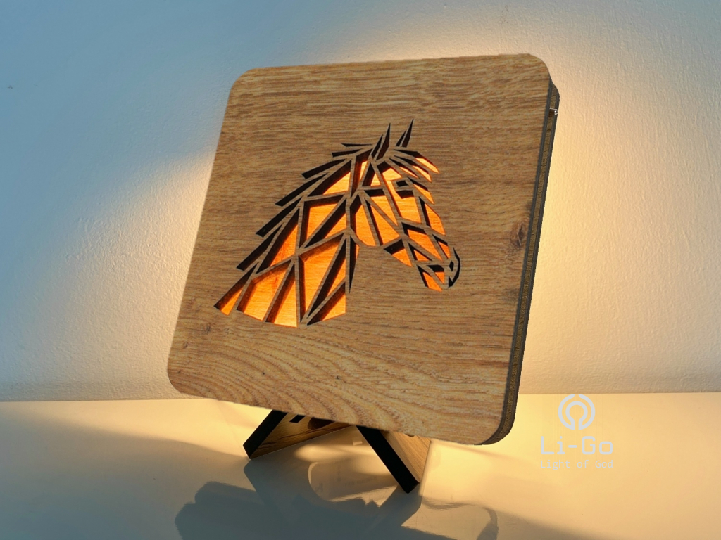 """Hlava koně"" lampa 19x19"