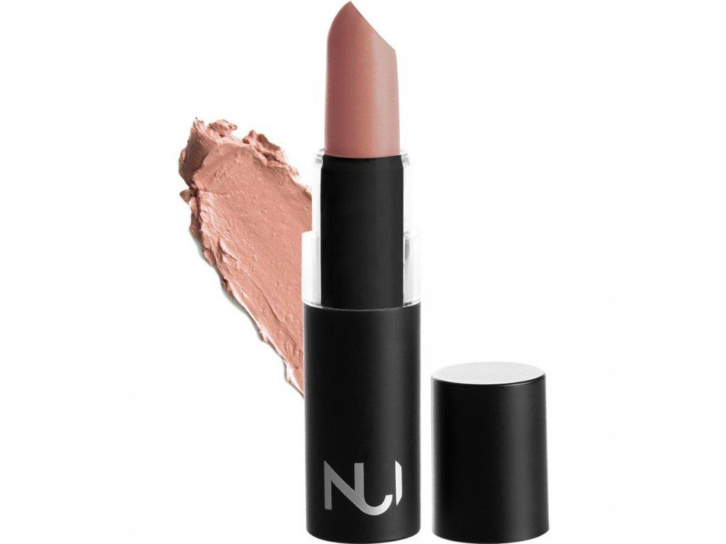 lipstick pania product smear