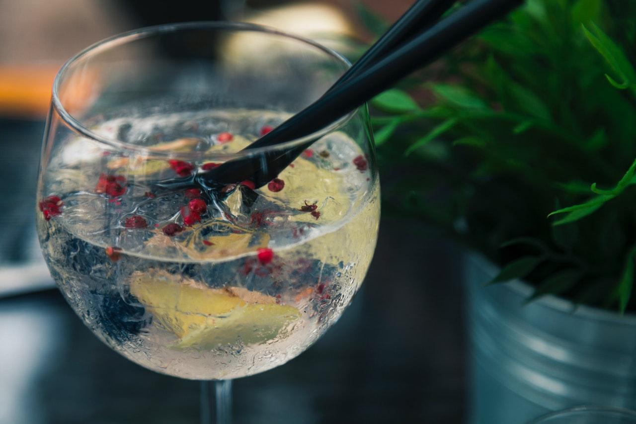 alcoholic-beverage-bar-beverage-1170599