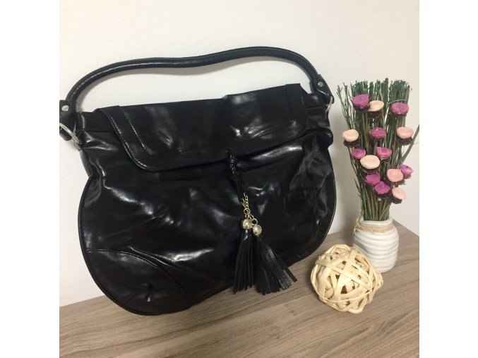 Avon Černá kabelka/taška Regina