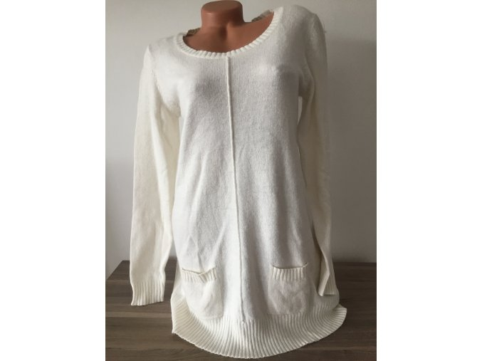 Bílý dlouhý dámský svetr s jemným chloupkem, velikost M
