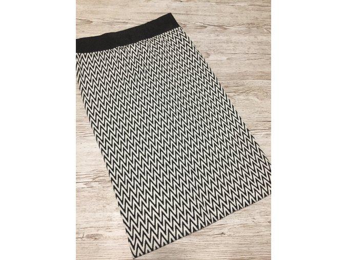 Dámská vzorovaná černobílá hebká teplejší vzorovaná sukně, velikost L
