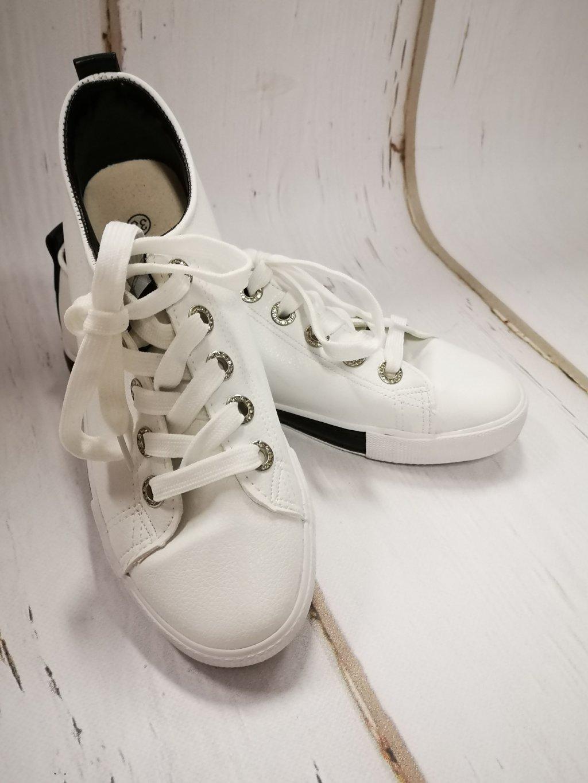 Dámské bílé tenisky, velikost 40, obr. 20