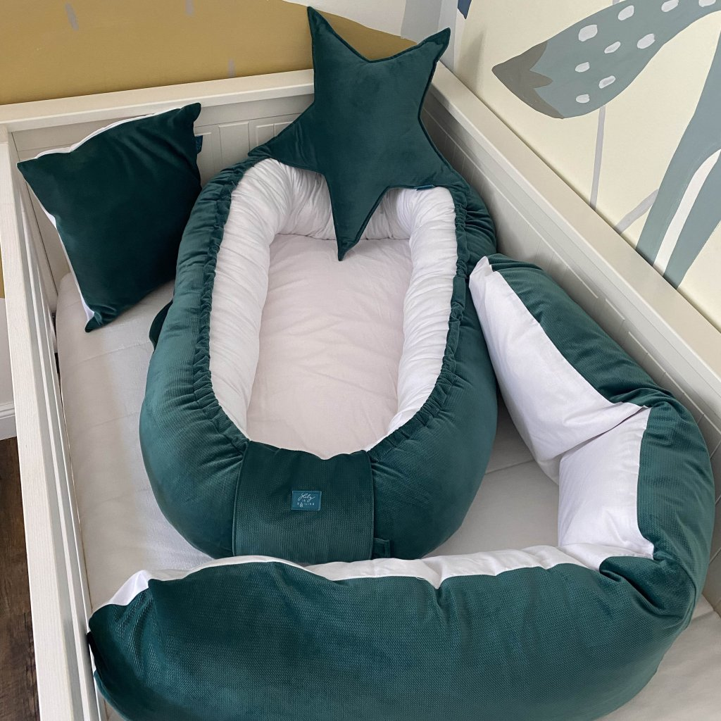 Kojicí polštář Smaragd velvet