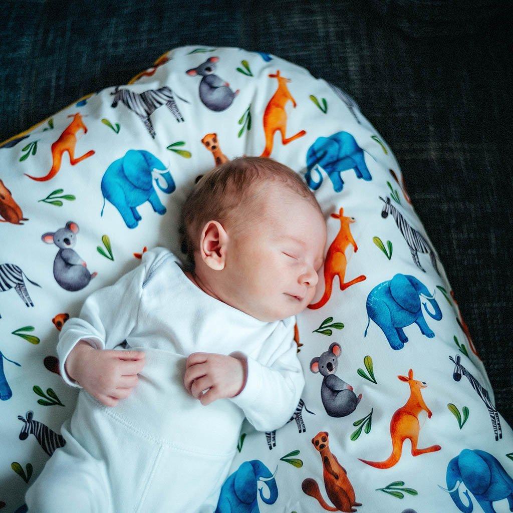 Péřová zavinovačka - Wild animals grey bavlna