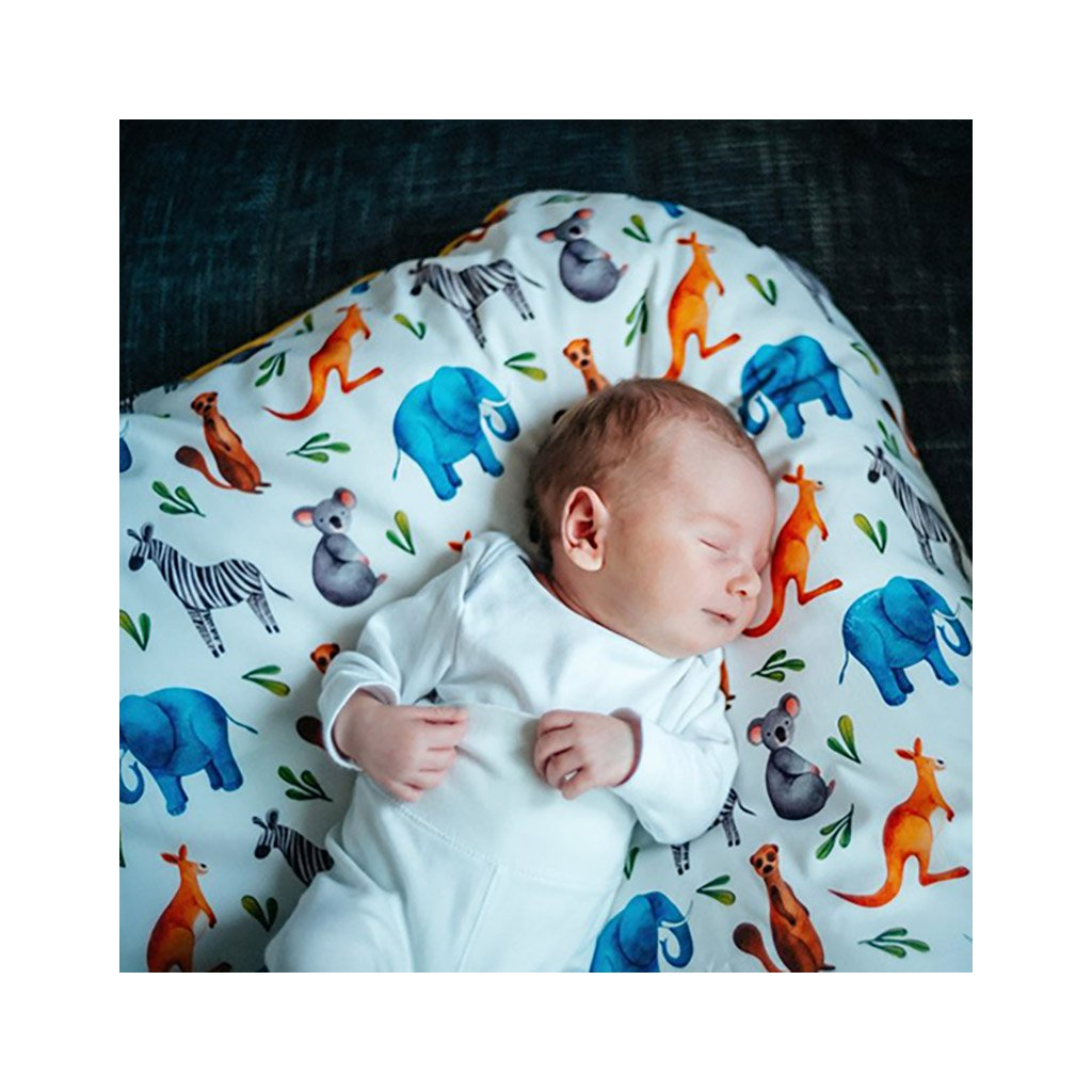 Péřová zavinovačka - Wild animals grey knoflík