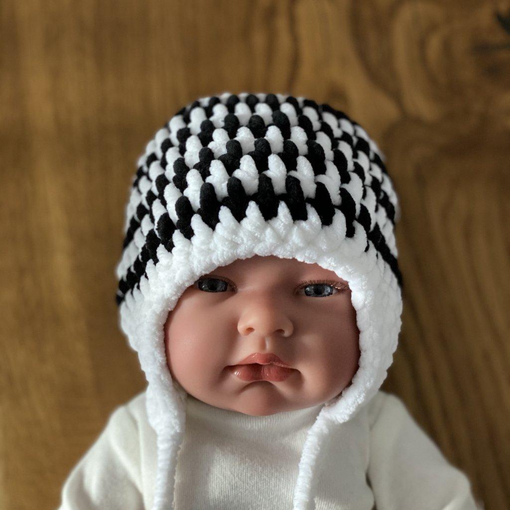 Pletená čepička černo-bílá