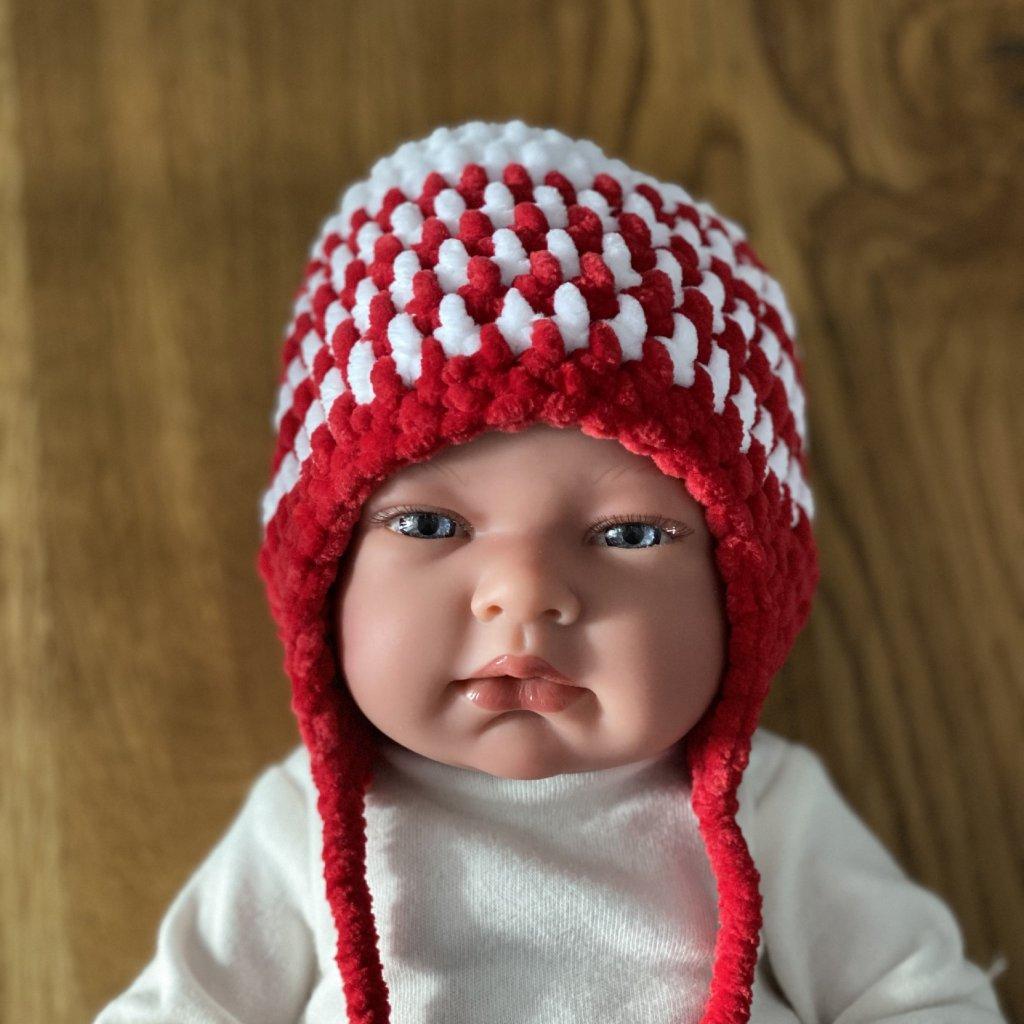 Pletená čepička červeno-bílá