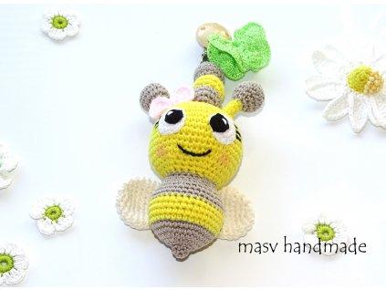 Háčkovaná včelička - chrastítko  masv handmade