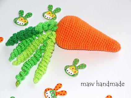 Chrastítko mrkev  háčkované dekorace handmade