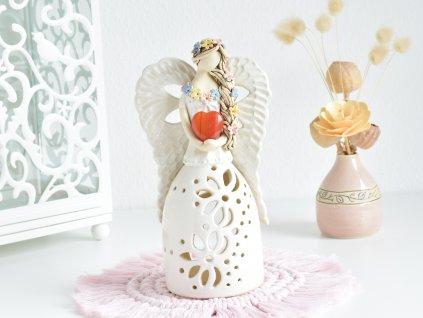 Andělka na svíčku se srdíčkem Karneolu