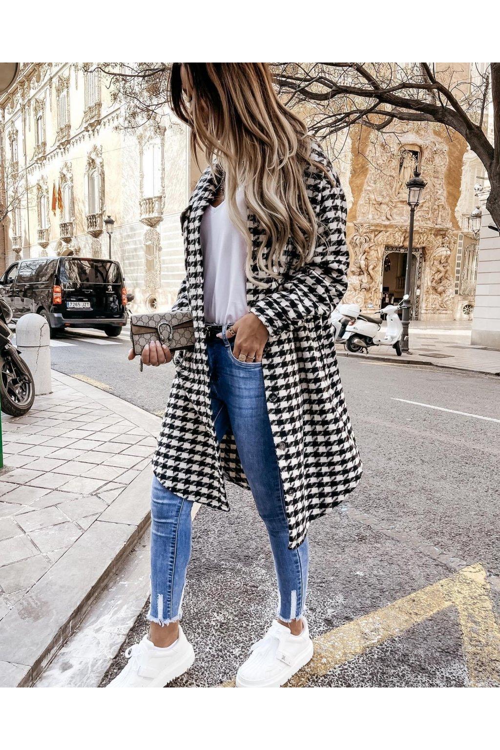 Kabátek se vzorem Black