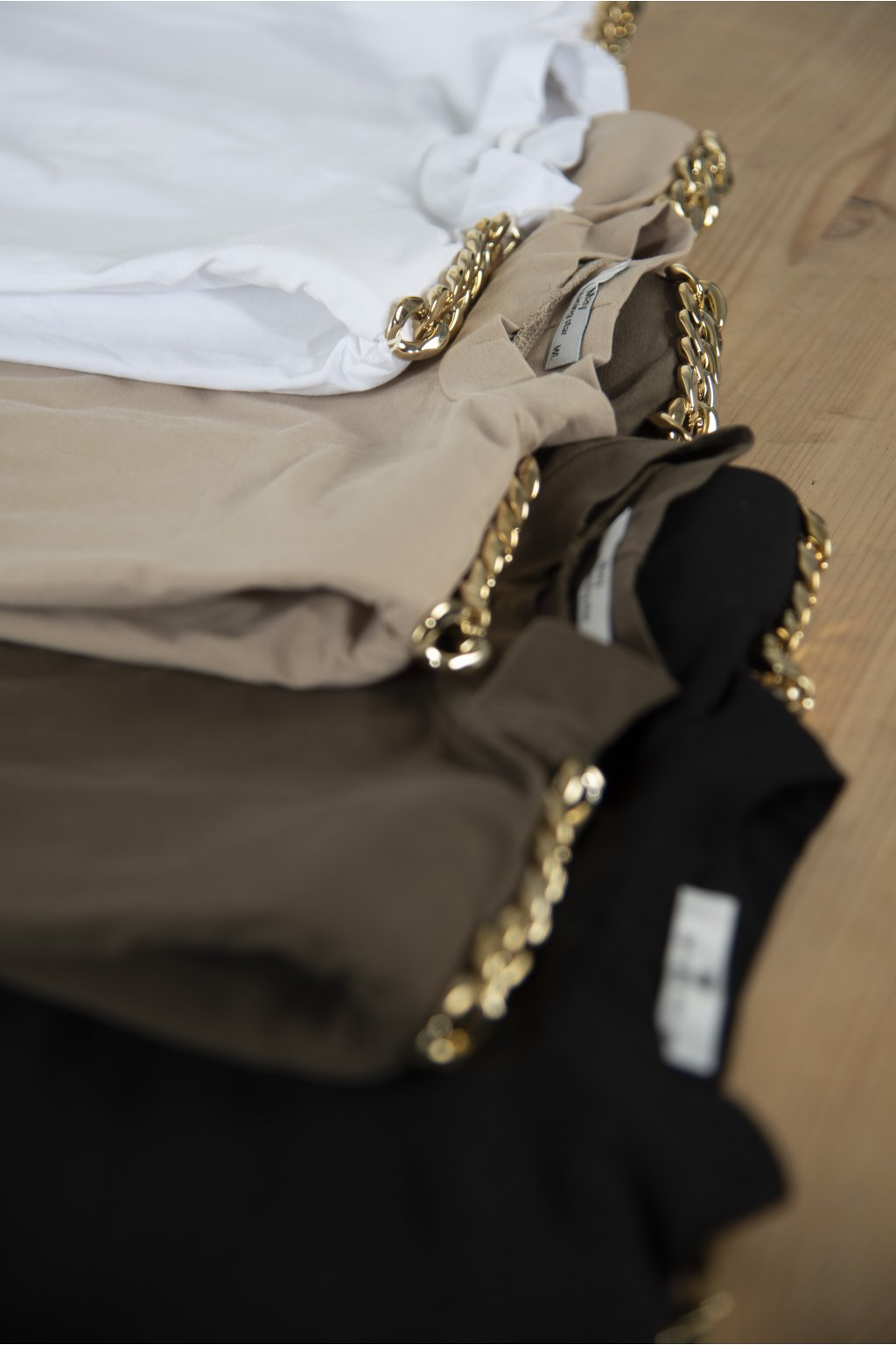 Tričko s vycpávkami