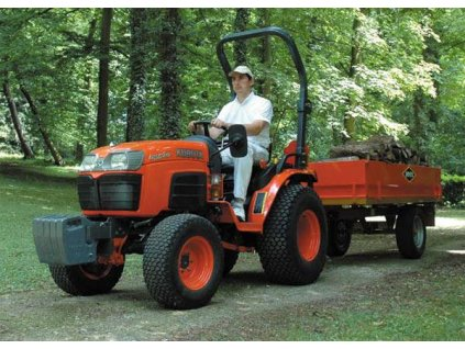 Univerzální traktor Kubota B 2530 D
