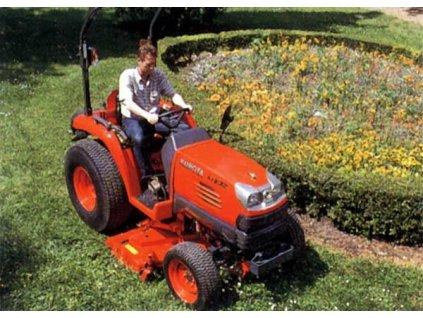 Univerzální traktor Kubota STV 40