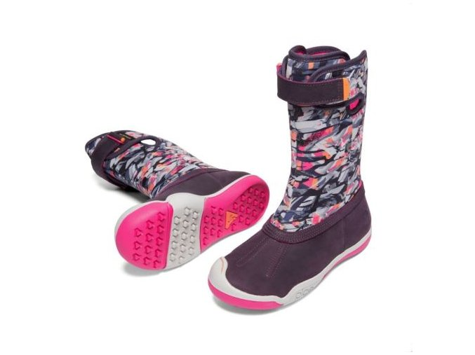 plae boots