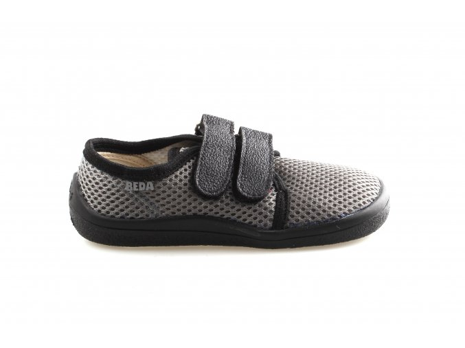Alex Beda barefoot