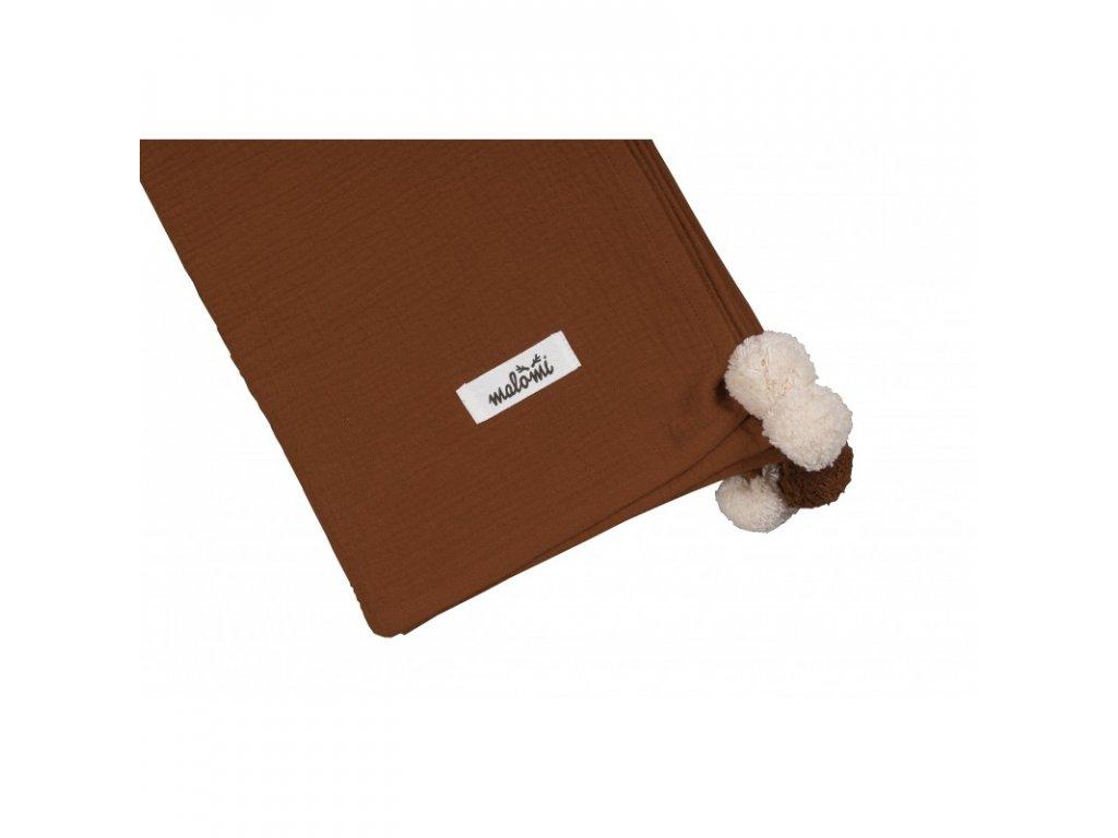 muselinova deka pom pom cinnamon (1)