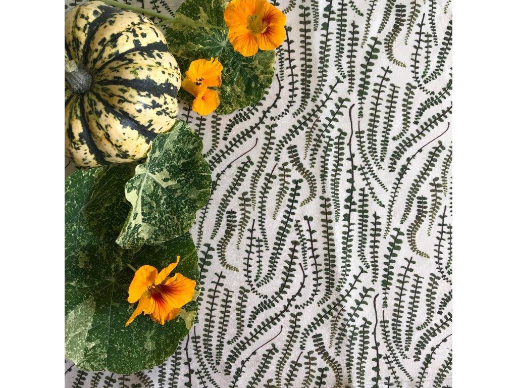 ubrus z přírodního lnu s květinovým vzorem