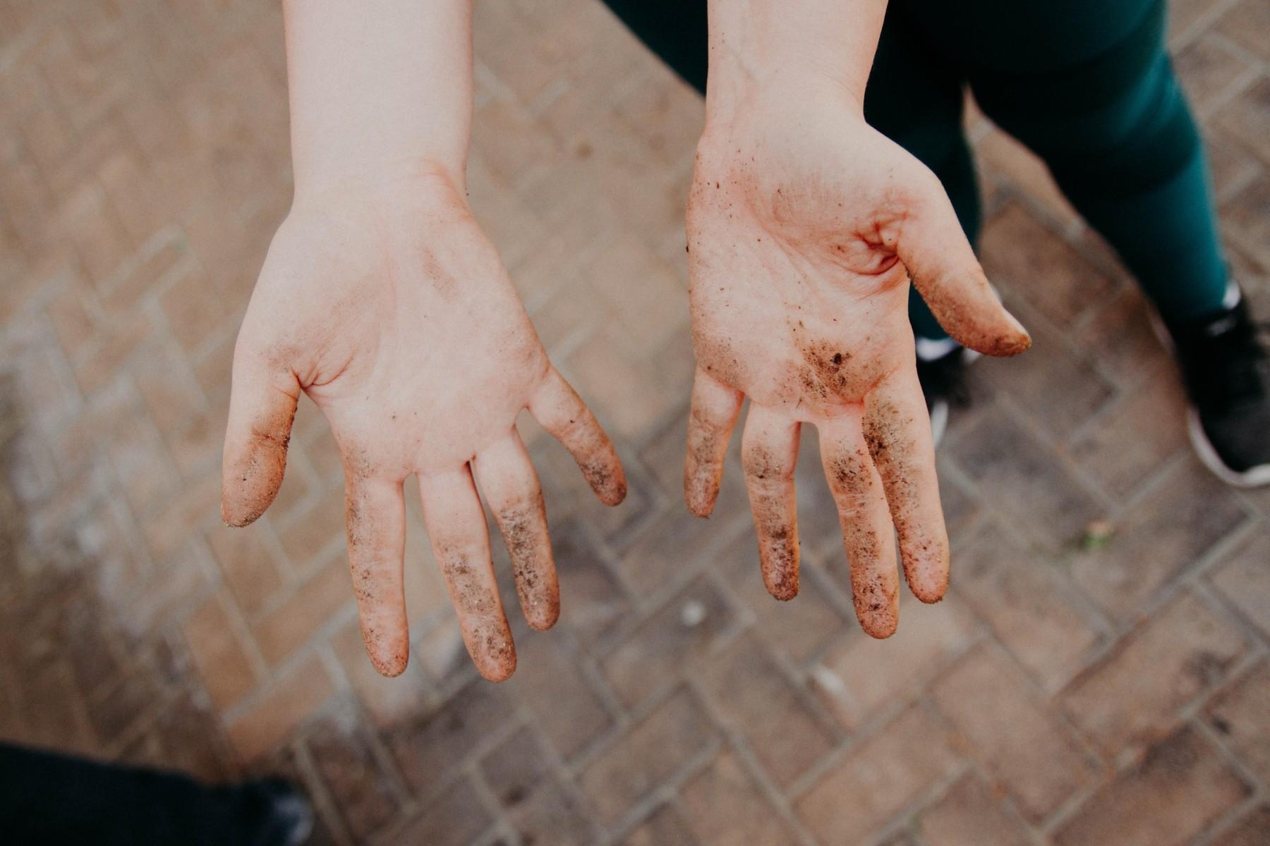 dirtyhands_1