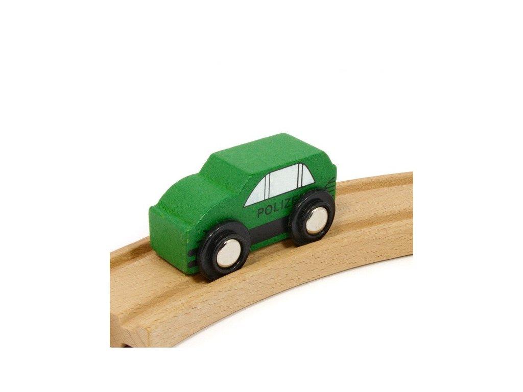 Auto zelené k vláčkodráhám