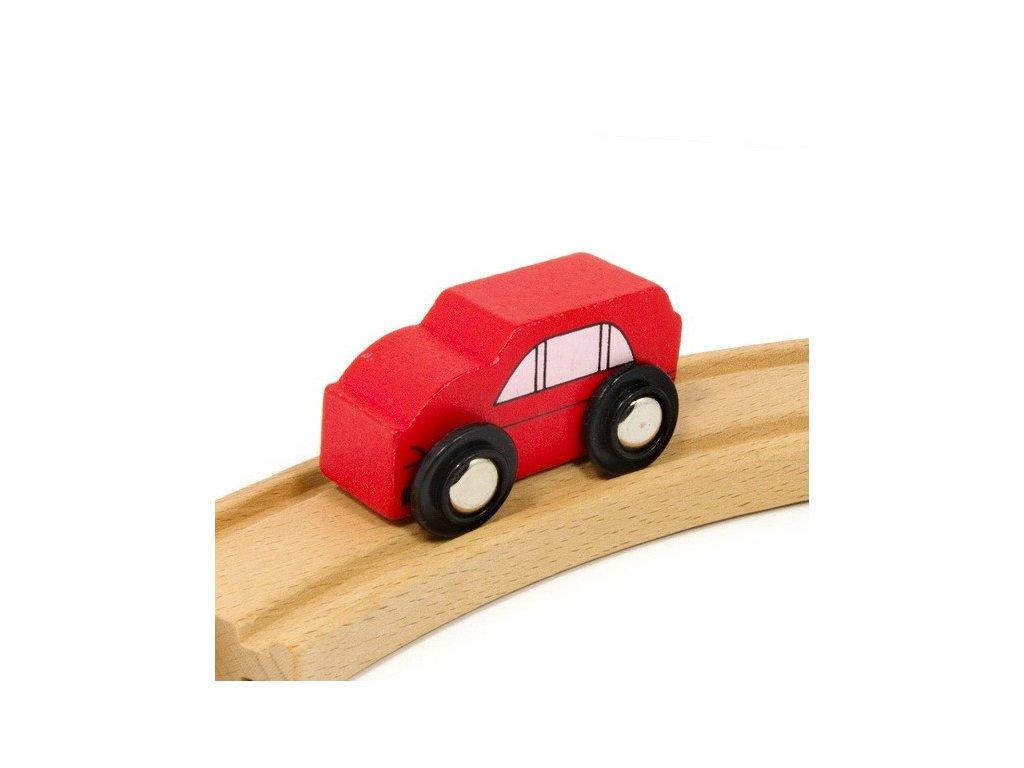 Auto červené k vláčkodráhám