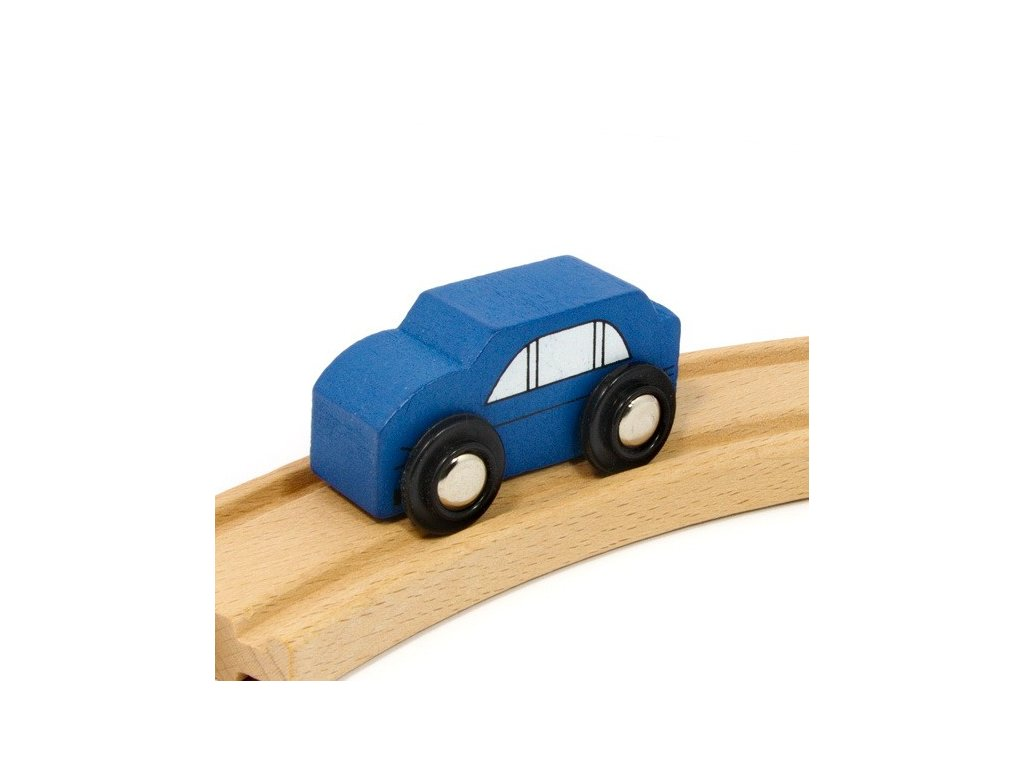 Auto modré k vláčkodráhám
