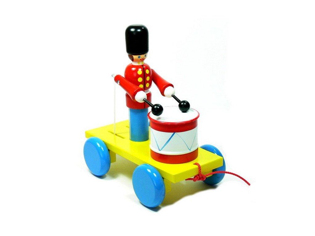Tahací vozík - gardista s bubínkem